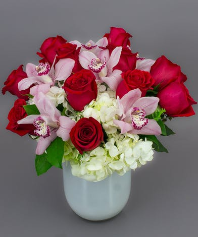 Lavish Valentine Bouquet - Same-day Delivery to Danvers, MA - Currans Flowers