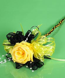 Yellow Jackets Princess Rose Wand- Same Day Delivery, Danvers MA