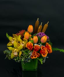 Our Shelburne Falls arrangement mimics the beautiful autumn pallettte nature provides.