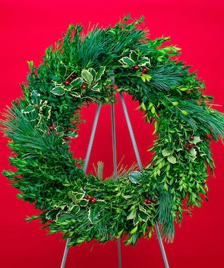 Boxwood Splendor Evergreen Wreath