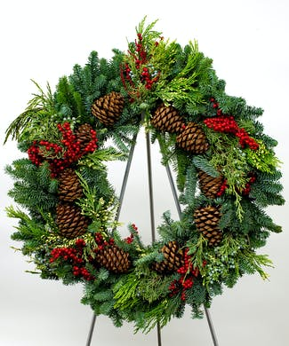 Canella MultiCone Evergreen Wreath